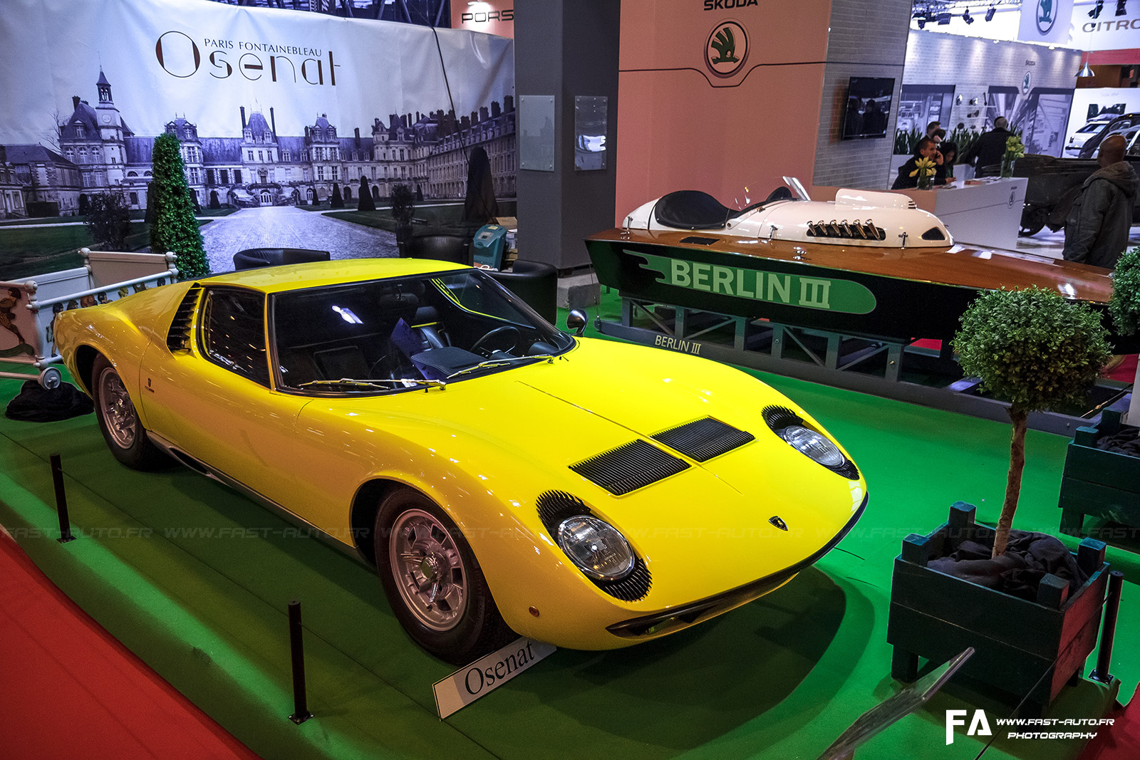 salon retromobile fevrier 2014 lamborghini miura jaune retromobile 2014 paris. Black Bedroom Furniture Sets. Home Design Ideas